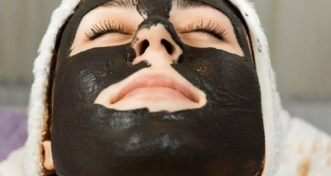 Маска из желатина и активированного угля - рецепт для лица
