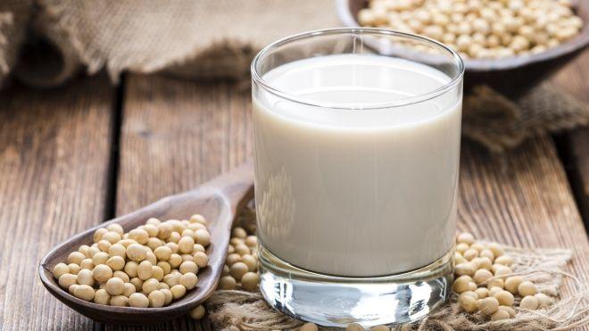 Молоко с кедровыми орешками