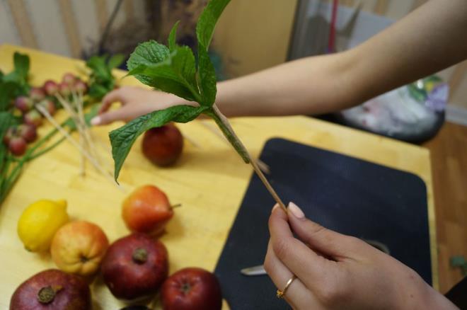 Изготовление фруктового букета