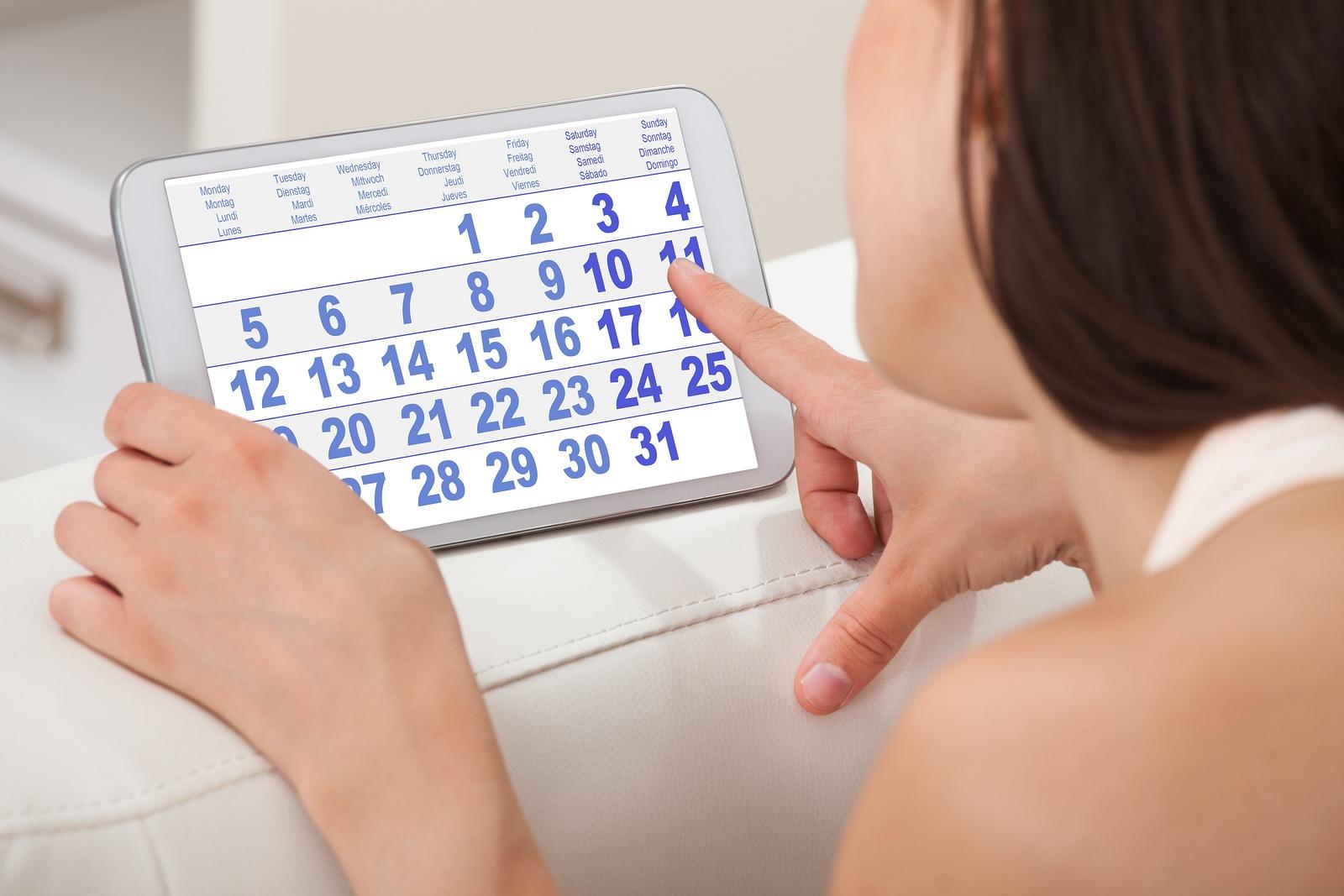 Женщина и календарь