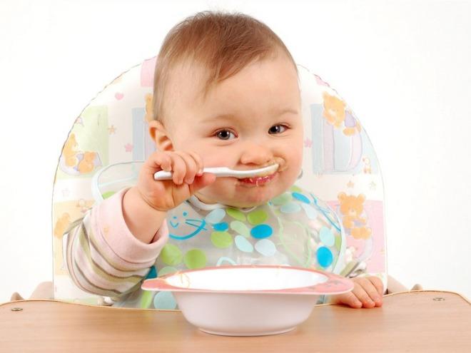 Меню ребенка в 7 месяцев: режим питания грудничка