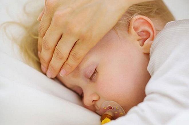 Температура тела должна быть ребенка 2 месяца thumbnail