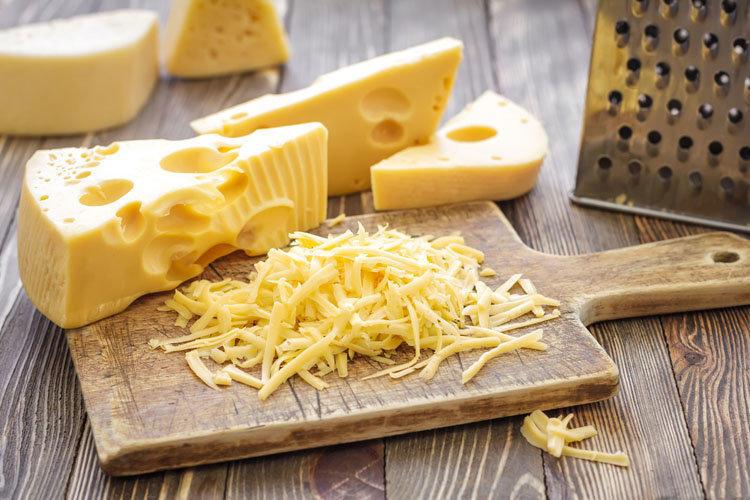 Когда люди начали есть сыр?