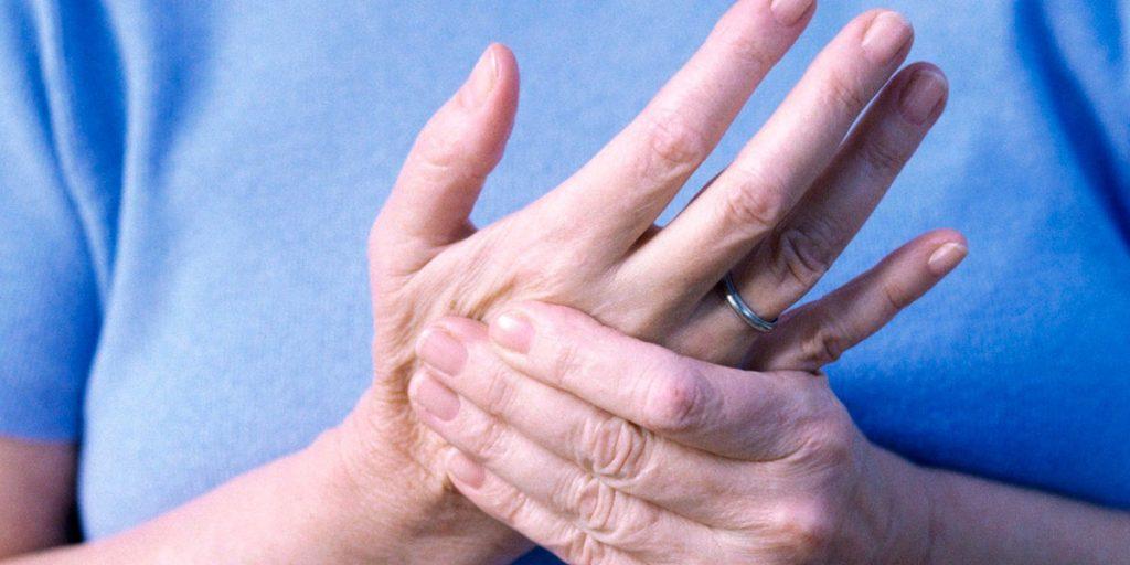 От какой болезни немеют руки