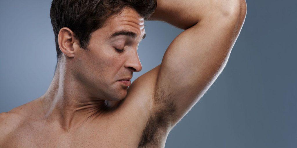 Нужно ли мужчинам брить подмышки?