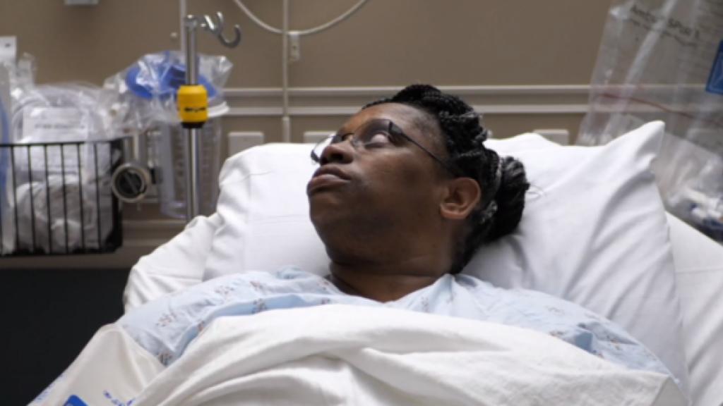 После нескольких лет насморка, женщина обнаруживает, что это не аллергия - а утечка мозговой жидкости