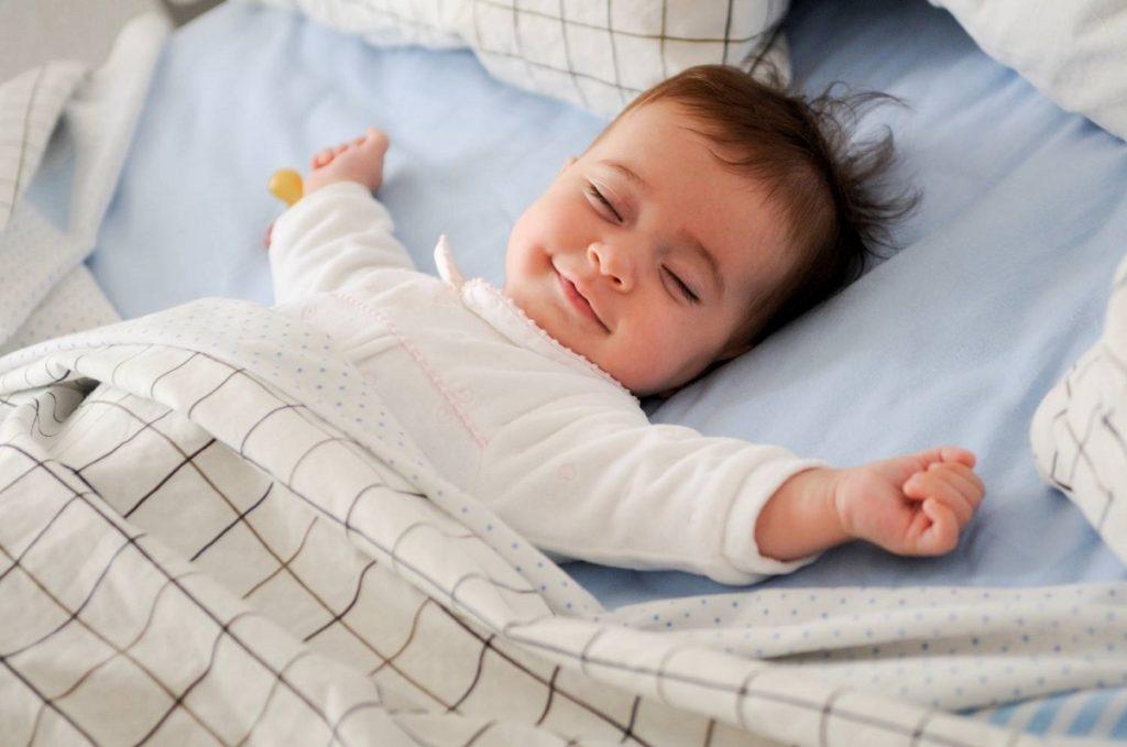 В какой позе лучше спать? Как начать высыпаться?
