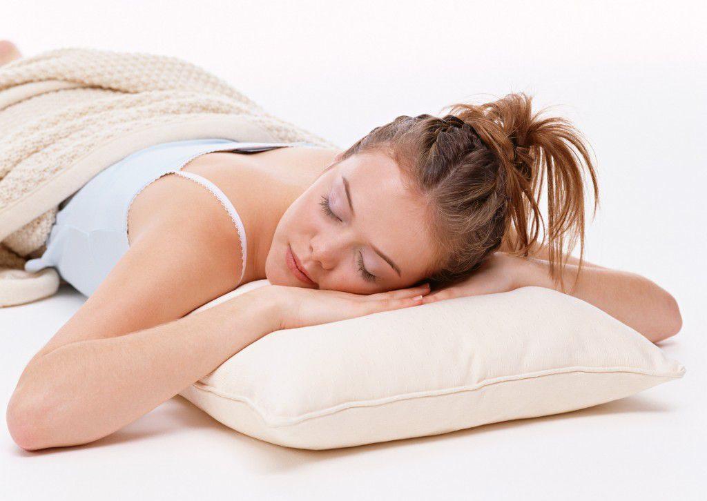 После сна немеют руки: в чем причина и к чему это может привести