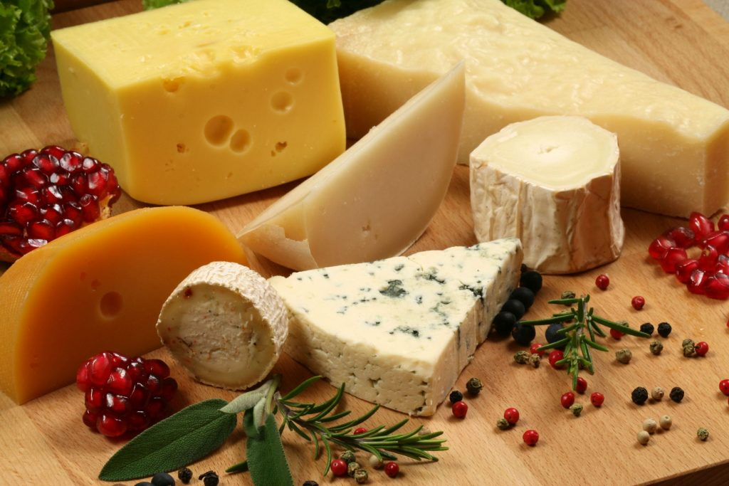 Употребление сыра снижает давление и риск атеросклероза