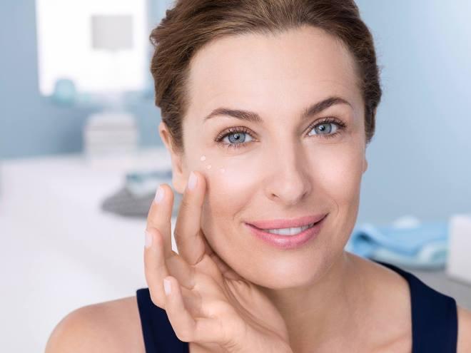 Как ухаживать за жирной кожей лица: лучшие средства в домашних условиях
