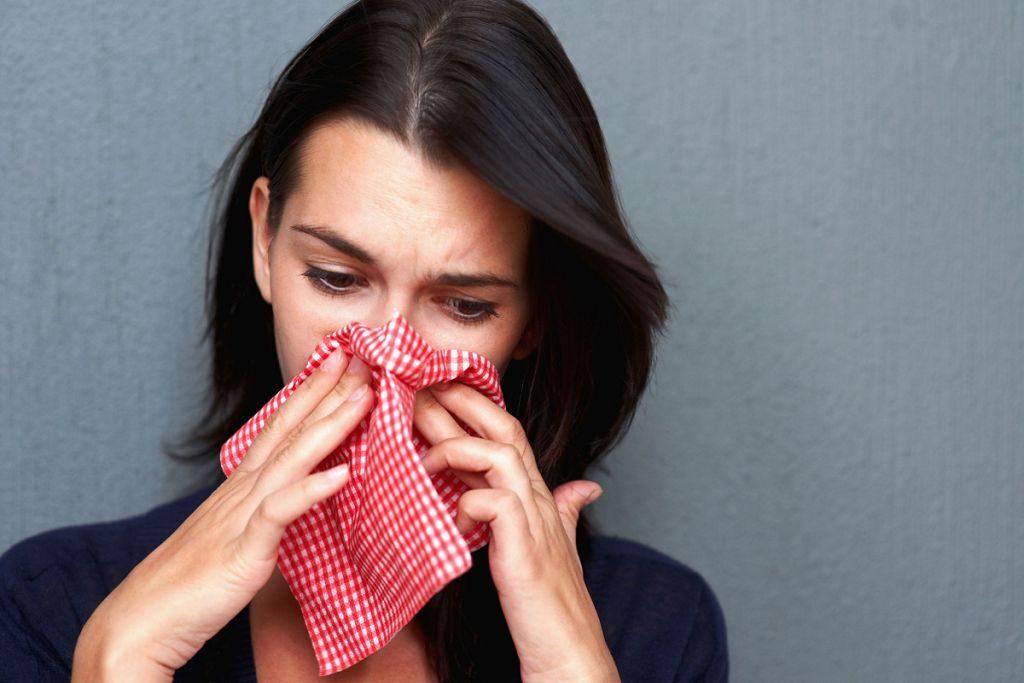 Сморкаться в платок вредно для здоровья