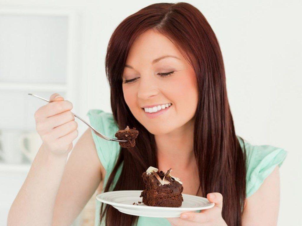 После сладкого всегда хочется пить: причины и чем утолить жажду
