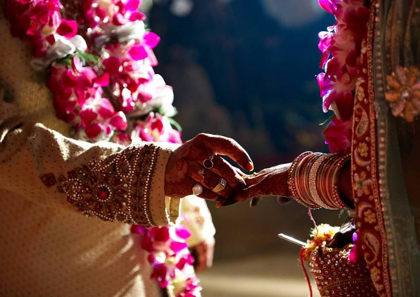 В Индии перед свадьбой детей сбежали свекор и тёща